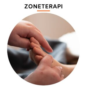 hænder der giver zoneterapi